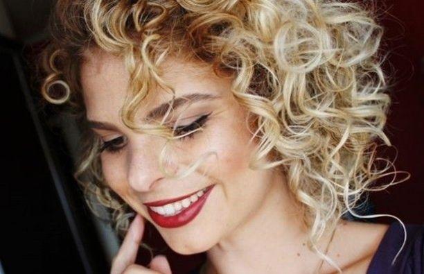www.sitedebelezaemoda.com.br wp-content uploads 2015 08 mulher-com-cabelo-cacheado.jpg