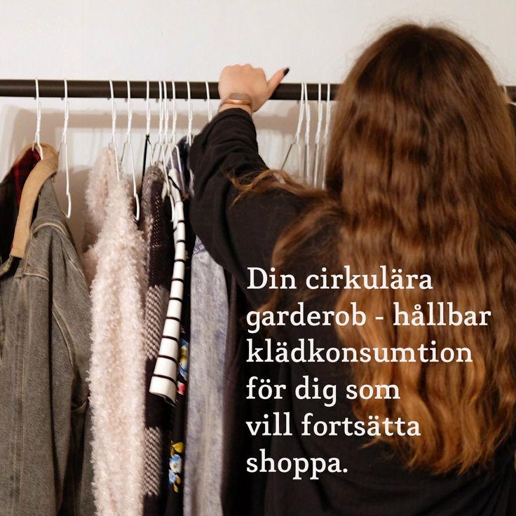 En dag slog det mig att om jag nu har valt att slå in på vägen mot en cirkulär livsstil, så borde det cirkulära tänket också gälla min personliga uppsättning av kläder. I samma sekund föll alla bitar på plats. Jag visste precis hur jag skulle bygga den ultimata cirkulära garderoben där jag både kan addera och byta ut plagg med riktigt gott samvete. Följ med in i klädkammaren så ska jag visa dig! #återbruk #klimatsmart #aktiveradingarderob #klimatsmart #kläder #cirkulärlivsstil