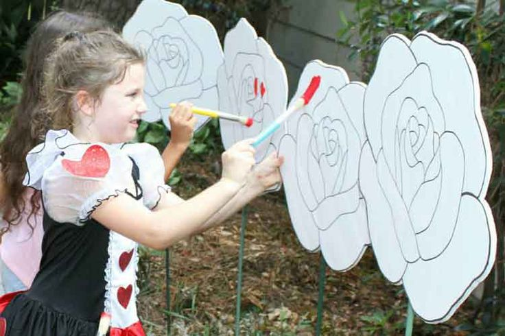 painting red roses