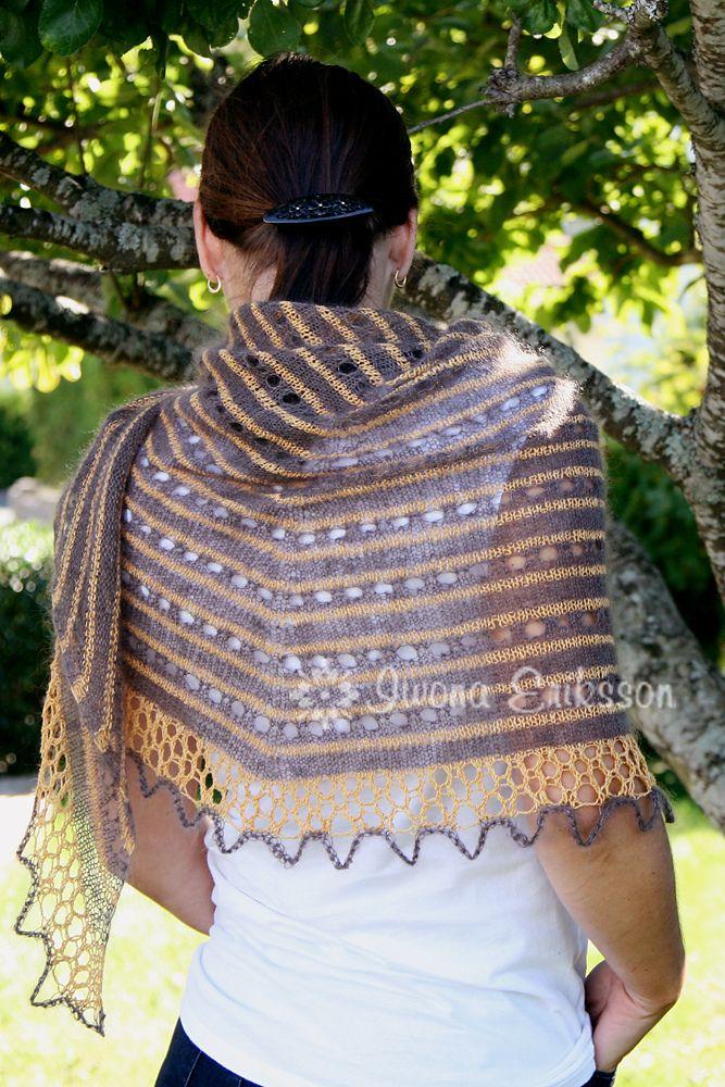 Ravelry: Rayn Shawl pattern by Iwona Eriksson #shawl #knittingpattern #shareyourknits #ravelry #knit