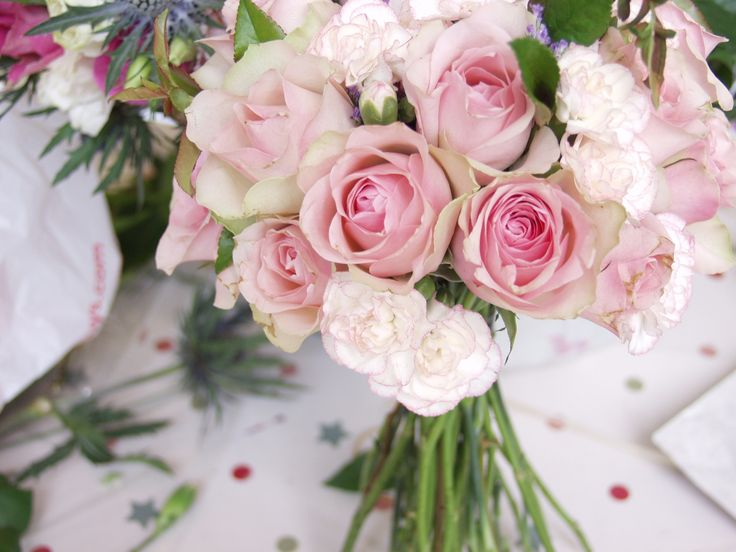 12 best The NosegayTypes of Wedding Flowers images on Pinterest