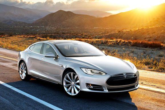 Tesla Model S (photo by Tesla Motors)