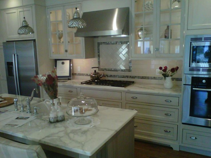 3x6 Tile Backsplash Herringbone Pattern Over The Cooktop