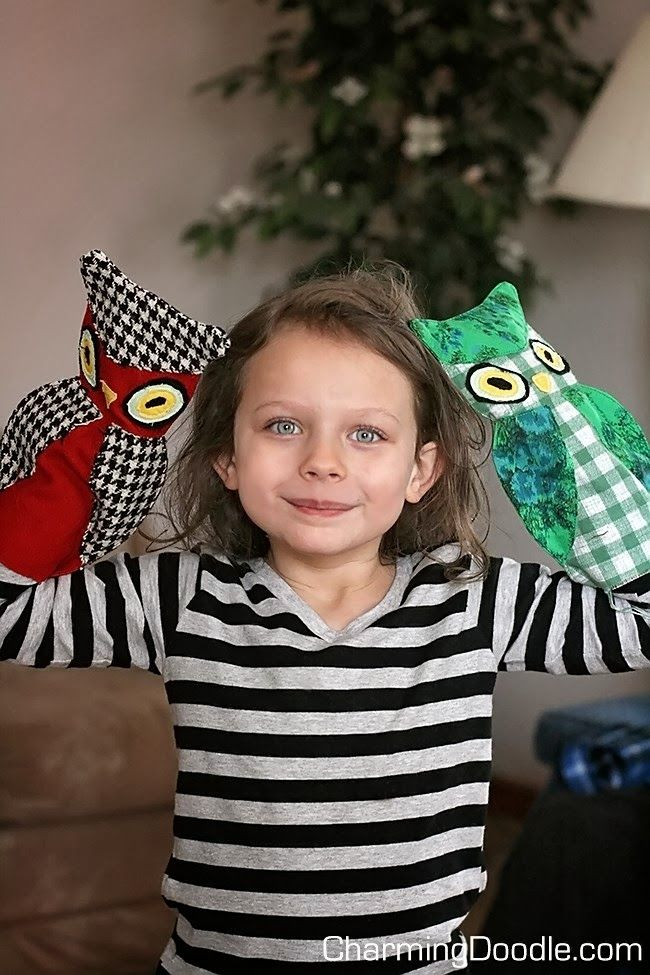 FREE Owl Puppet Pattern...and a giveaway | by Charming Doodle