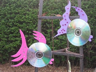 Me and my shadow: CD fish craft for Garden.