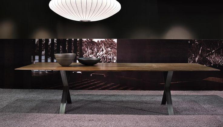 simple yet elegant dining table by more moebel.