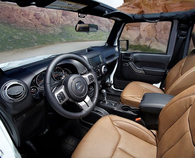 2013 Jeep Wrangler Unlimited interior  www.naplesdodge.com