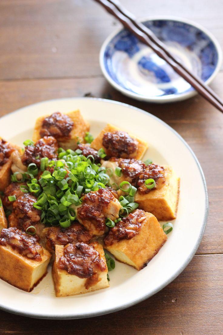 夏バテ対策!鶏と厚揚げの山椒味噌チーズ焼き by 小澤 朋子 / 山椒は食欲増進、消化促進、新陳代謝促進と、夏を元気に乗り切るための効能がたっぷりです。鶏肉やチーズとの相性もよく、箸が進みますよ♪良質なタンパク質もしっかりとって夏バテに負けない体にしましょう!なかなか使いきれない山椒の消費にもぜひお試し下さいね。 / Nadia