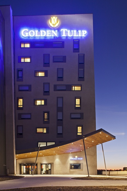 The Hotel Golden Tulip is located close to Lyon, in the Technology Park of Saint Priest