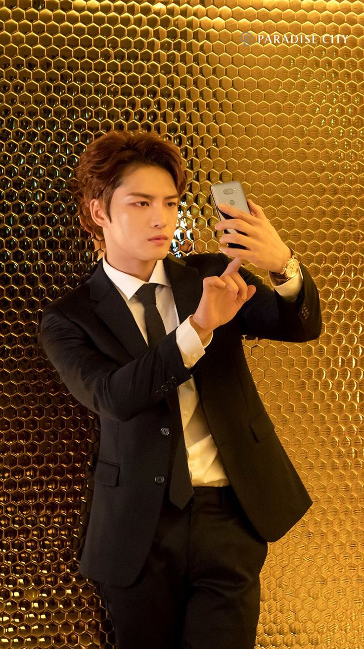 Kim jaejoong is so cool and beautiful..