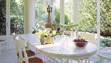 Cristalera plegable, ideal para integrar el porche al salón.