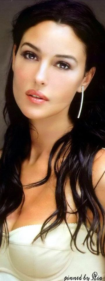 Monica Bellucci                                                                                                                                                      Más