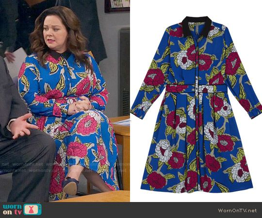 Molly's blue floral maxi dress on Mike and Molly.  Outfit Details: https://wornontv.net/57359/ #MikeAndMolly (exact style not online)