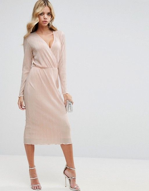 Pretty wedding guest style - blush pink dress for wedding guests
