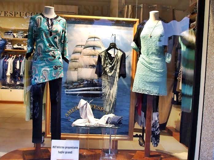 Uno sguardo in vetrina!! #abbigliamento #moda #modena #donna