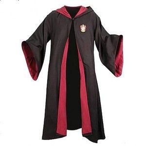 Harry Potter ad Halloween le repliche dei costumi del film (dalla divisa di Hogwarts agli occhiali)