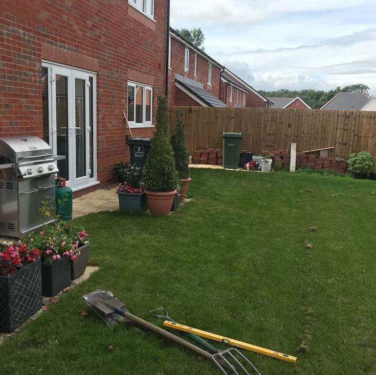Flag Day Pavingstones Paving Patio Landscapedesign Landscaping Gardener Gardening Horticulture Gardenmaintenance Neston Parkgate