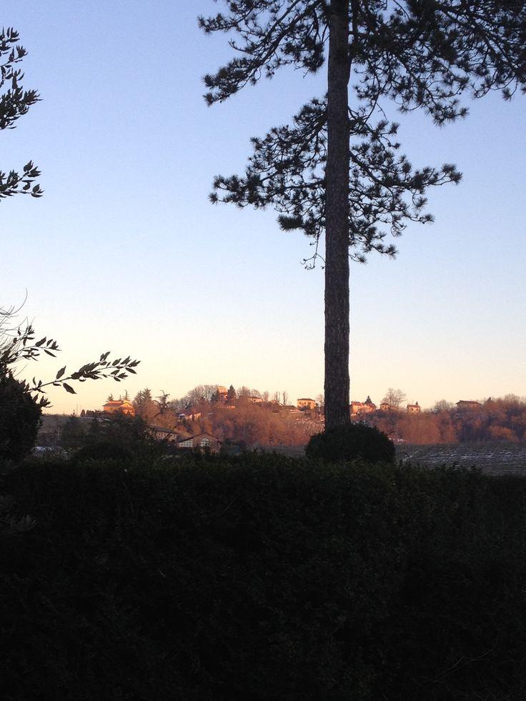 Uno splendido tramonto sui vigneti chiude la nostra giornata! Goodbye #novi a presto!