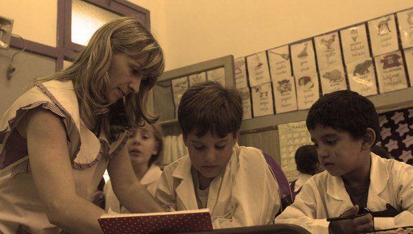 Día del Maestro: ¿educación era la de antes? En su fecha, los docentes hablan con DiarioPopular.com.ar y plantean los desafíos actuales que viven en las aulas http://www.diariopopular.com.ar/c168814