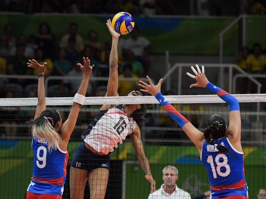 #TeamUSA Volleyball middle blocker Foluke Akinradewo (16) against Puerto Rico during a match in the preliminary round in the #Rio2016 Summer Olympic Games