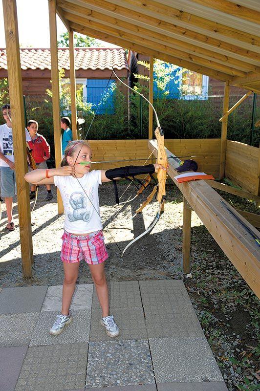Tir à l'arc activité proposée au Camping Le Fief ***** à Saint-Brévin-les-Pins - http://bougerenfamille.com/camping-loire-atlantique-famille/