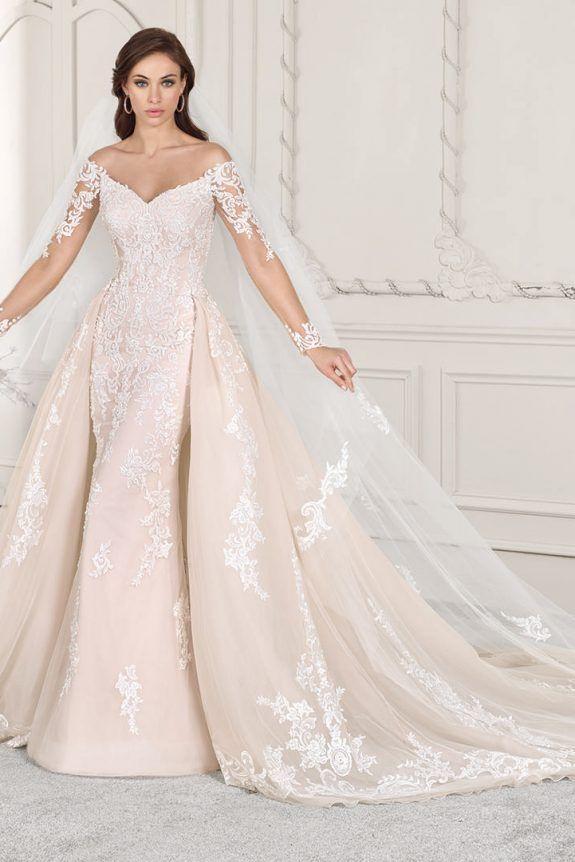 Demitrious Wedding Gowns.Demetrios Wedding Dress 856 Luxurious Alencon Lace