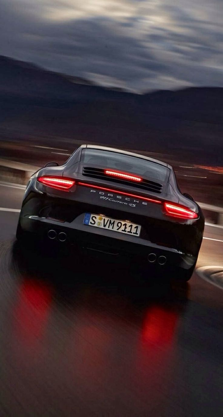 Porsche 911 ... Beauty and elegance with unlimited power.
