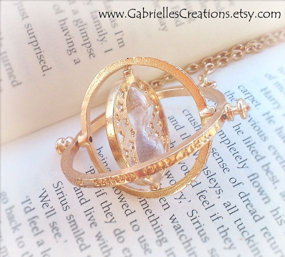 Hermione's Time Turner Necklace  Rotating by GabriellesCreations, €10.00 #doctorwho #harrypotter #lotr #jewelry