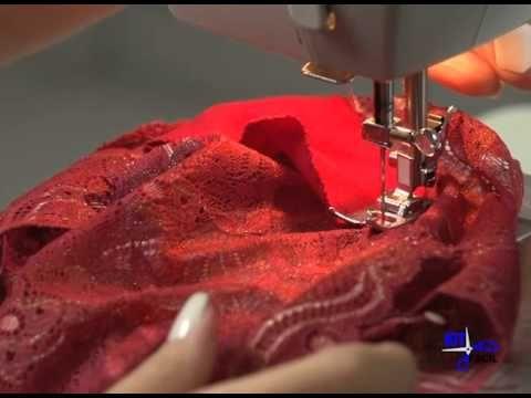 Aqui mostro como cortar um sutiã strappy todo em renda.. o molde sta no blog. Sutia strappy http://costurandolingerie.blogspot.com/2016/02/sutia-strappy.html