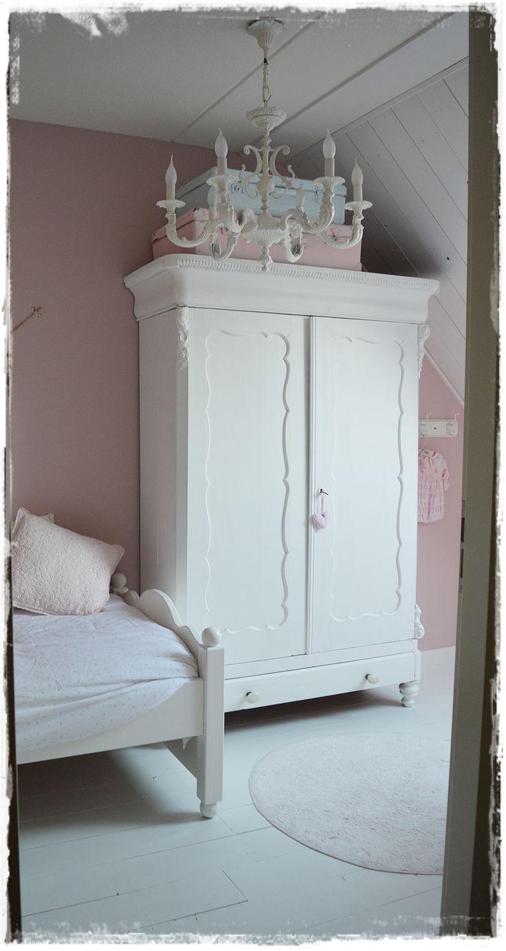 Sara's room
