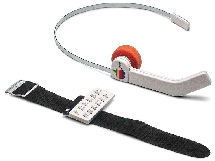Kopfhörertelefon und Armband – Vorläufer der bis heute erwarteten #iWatch? Die Designs stammen aus dem Jahr 1983. #FrogDesign
