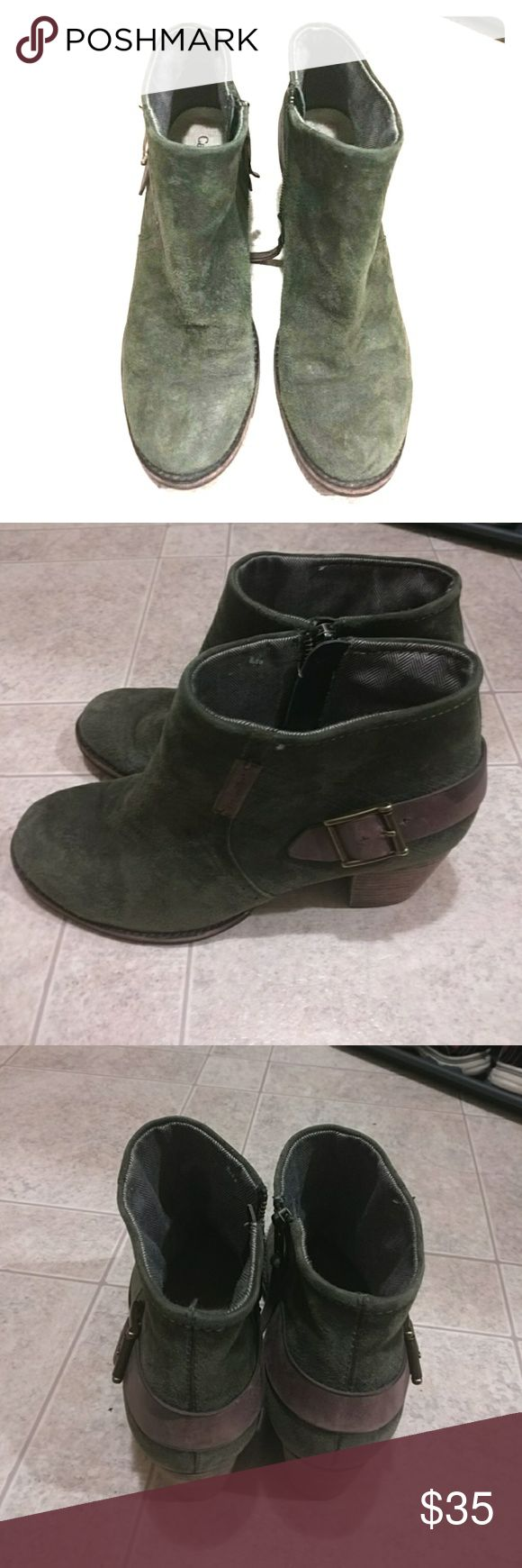 Womens Caterpillar boots 9.5 Caterpillar boots green color excellent condition high heel 2.5 inch. Size 9. 5. They are in excellent condition and very comfortable. I'm selling them at an excellent price so get them today yeah! Caterpillar Shoes