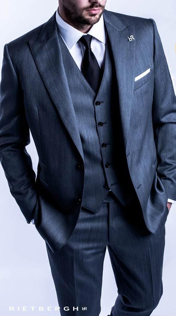 Grijs trouwpak op maat - Rietbergh - The Rietbergh way of wedding - grey suits - menswear - fashion - trends - timeless outfits - musthave - musthaves -