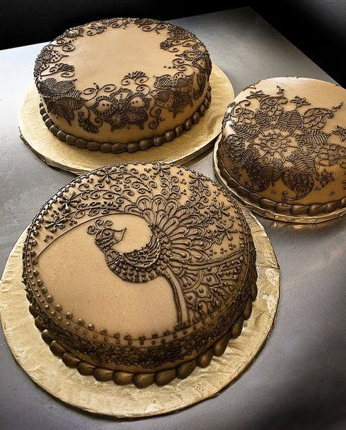 I love Peacocks and Henna-inspired designs. Such pretty cakes!