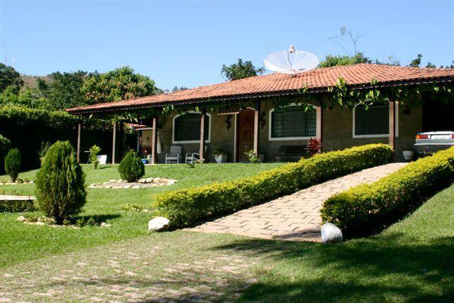 Fotos de casas com jardim na frente pesquisa google for Ver frentes de casas