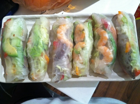 Vietnamese summer rolls... one of my favorite all-time healthy foods ever! so delishhh
