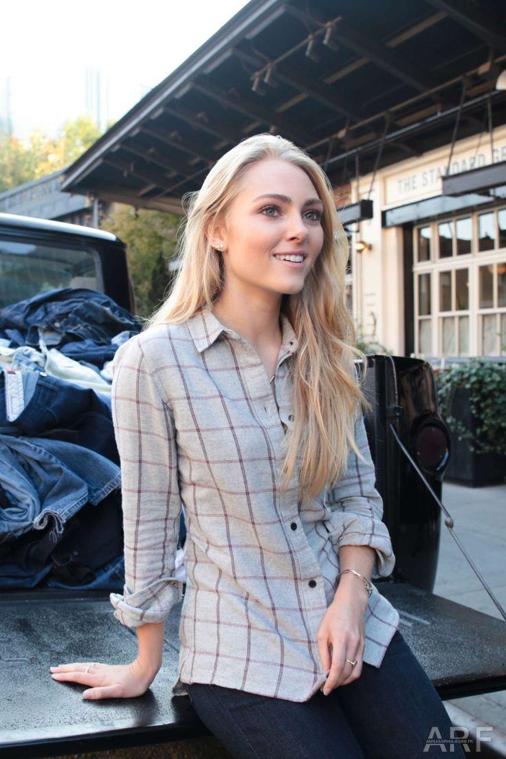 International Celebrities: Anna Sophia Robb – Madewell Denim Recycling Drive ...