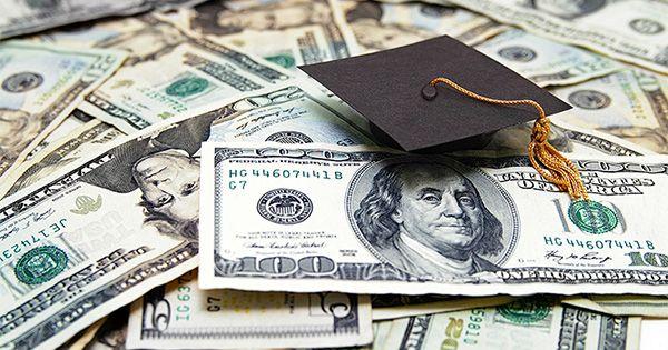 Préstamos estudiantiles = puntaje de crédito mayor = Higher Credit Scores | Keeping Current Matters