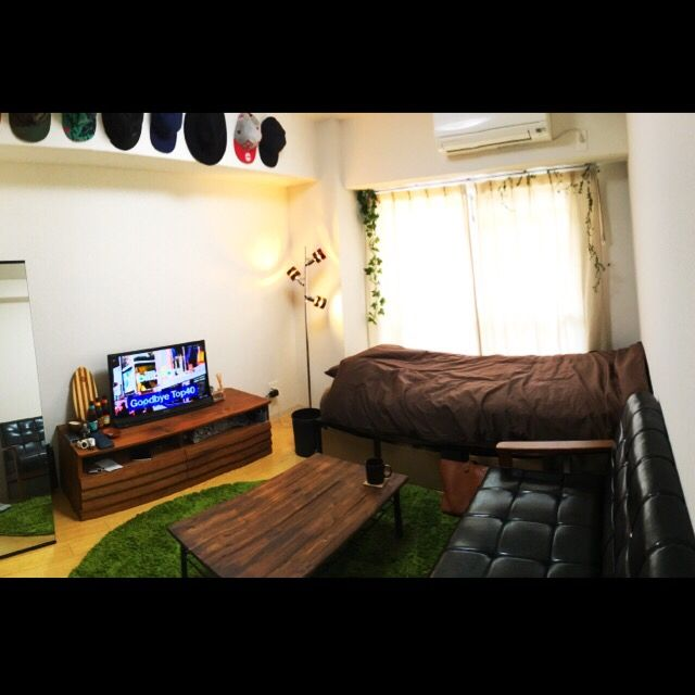 Masayaさんの、部屋全体,ナチュラル,ソファ,ワンルーム,一人暮らし,カフェ風,ローテーブル,ニトリ,セリア,1K,コーヒーテーブル,テレビボード,フェイクグリーン,男,ラグ 緑,メンズ部屋,茶色が好き,7帖,のお部屋写真