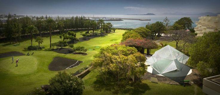 Instalación de domo Braña como terraza en campo de golf