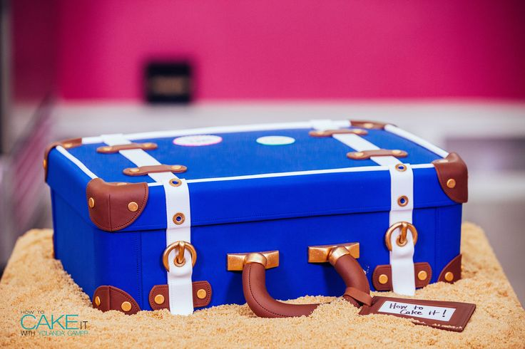 I've packed this LUGGAGE CAKE with rich chocolate cake & THREE kinds of buttercream!