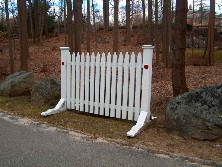 Road Barrier - Picket style