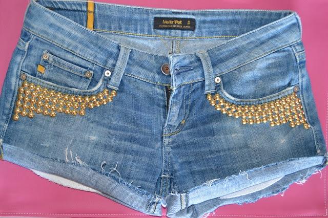 Stephilà Creations - Fashion blogger: DIY: How to make studded shorts/ Fai da te: Come realizzare shorts con borchie