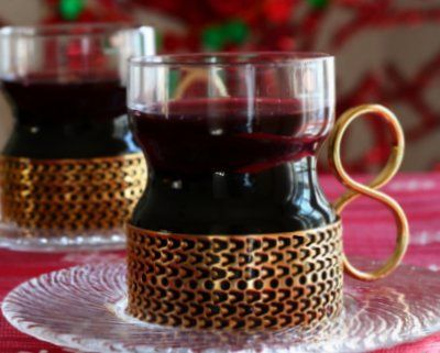 Recipe for Glöggi, the Mulled Wine served hot in Nordic countries during the winter. © Kitchen Parade.