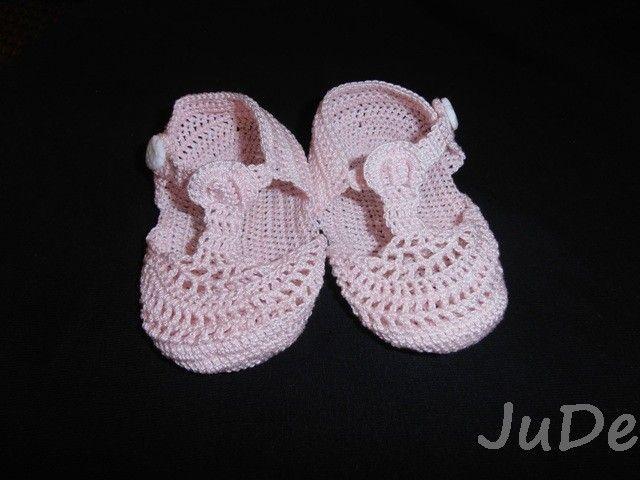 crochet baby sandals  https://www.facebook.com/pages/Jude-Handmade/216830615147075