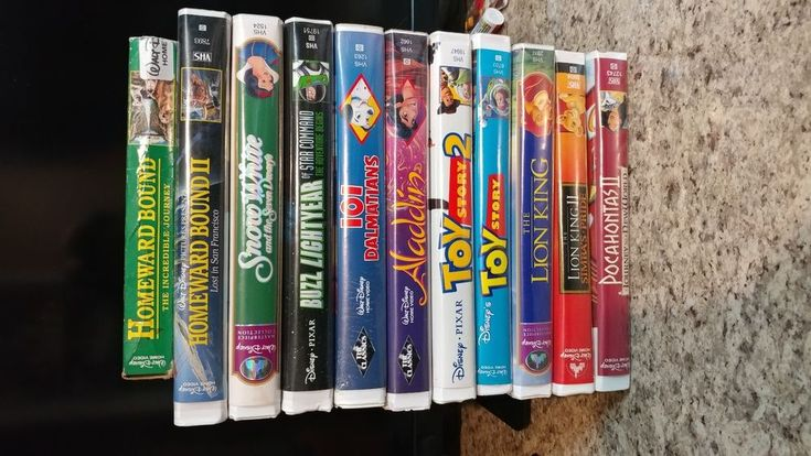 VHS - Lot of 11 Walt Disney Movies ~ Snow White, Lion King, Toy Story, Aladdin +