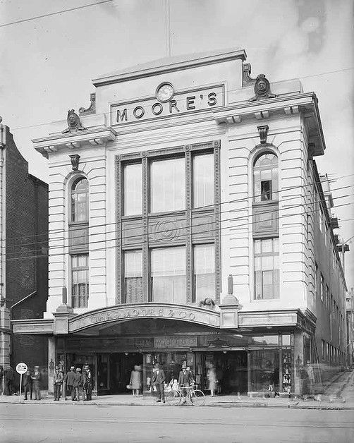 Murray Street side of Moore's department store, c. 1929. State Library of Western Australia 100307PD