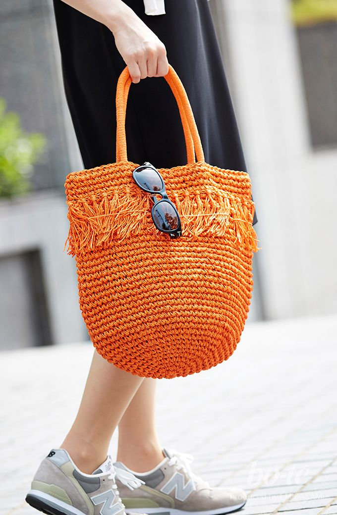 シックなワンピースにカジュアルな小物を合わせた大人女子のアクティブコーデ6#fashion #coordinate #ファッション#bag