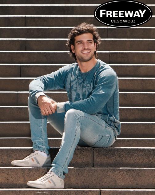 Linha Kalen | Jeans e blusa de malha