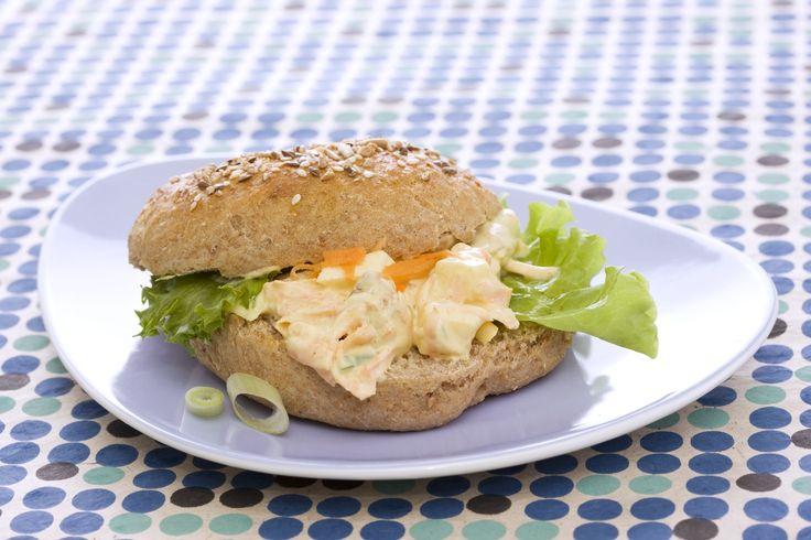 Kyllingsalat: En nydelig påleggsalat som passer kjempegodt på matpakken.